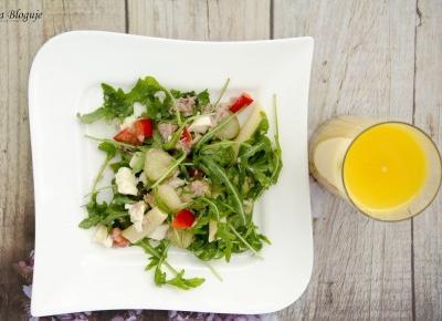 Zona Bloguje - swiat okiem kobiety: Moj pomysl na obiad w upalny dzien, czyli salatka z tunczykiem