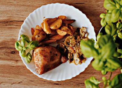 Ćwiartka z kurczaka w towarzystwie gulaszu warzywnego - Związek na patelni