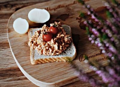 Pasta rybna w sosie pomidorowym – propozycja na szybkie śniadanie - Związek na patelni
