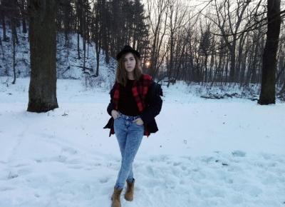 Dziewczyna w czarnym kapeluszu: #43