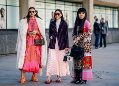 Trendy jesień 2019: Modne sukienki w printy, czyli must have na kolejny sezon. Gdzie kupić?