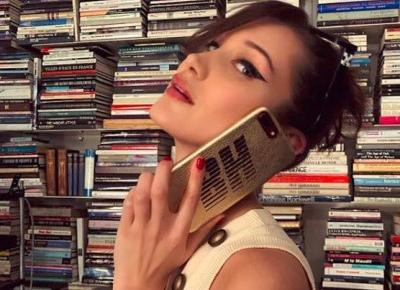 Bella Hadid, Kendall Jenner, Victoria Beckham i inne gwiazdy noszą telefony w etui tej marki! To najpopularniejszy case na iPhone na Instagramie!📱