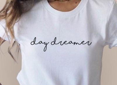 5 białych t-shirtów, które musicie mieć w swojej szafie! Klikajcie na zdjątka!