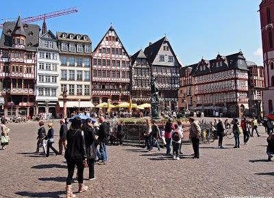 Travels with Aga and Ada: Frankfurt am Main