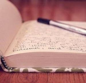 BLUE AND BELLA: Książka? Co wy na to? (fragment)