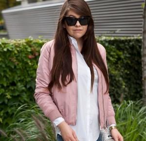 Pink Bomber Jacket Outfit - Feather - Mój sposób na modę