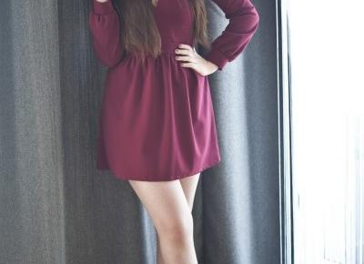 Walentynkowa Propozycja Bordowa sukienka głęboki dekolt / Valentine's Day Burgundy Dress - Feather - Mój Sposób Na Modę