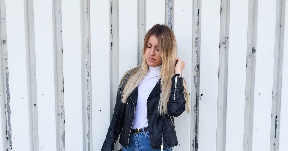 I am AGA: MOM FIT JEANS