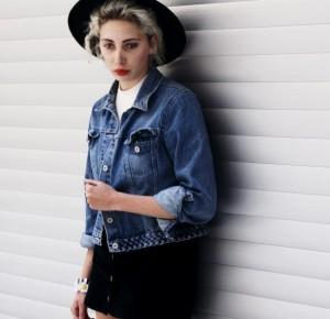 Street look with jeans jacket | Ajson Serwus