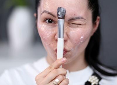 Peeling enzymatyczny lepszy od zwykłego?