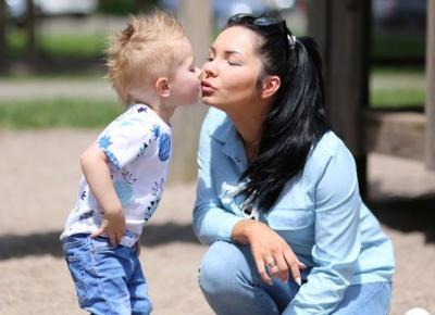 Stylizacja na niedzielny spacer z dzieckiem | Mądrzy Rodzice