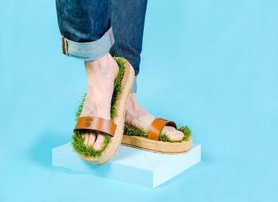 Kochasz chodzić boso po trawie? Teraz nawet w środku miasta!