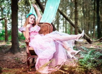 Katrin Belen. Artystyczna moda z recyklingu - ModaiJa