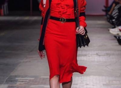 Lady in red - jak działa na nas modna czerwień?