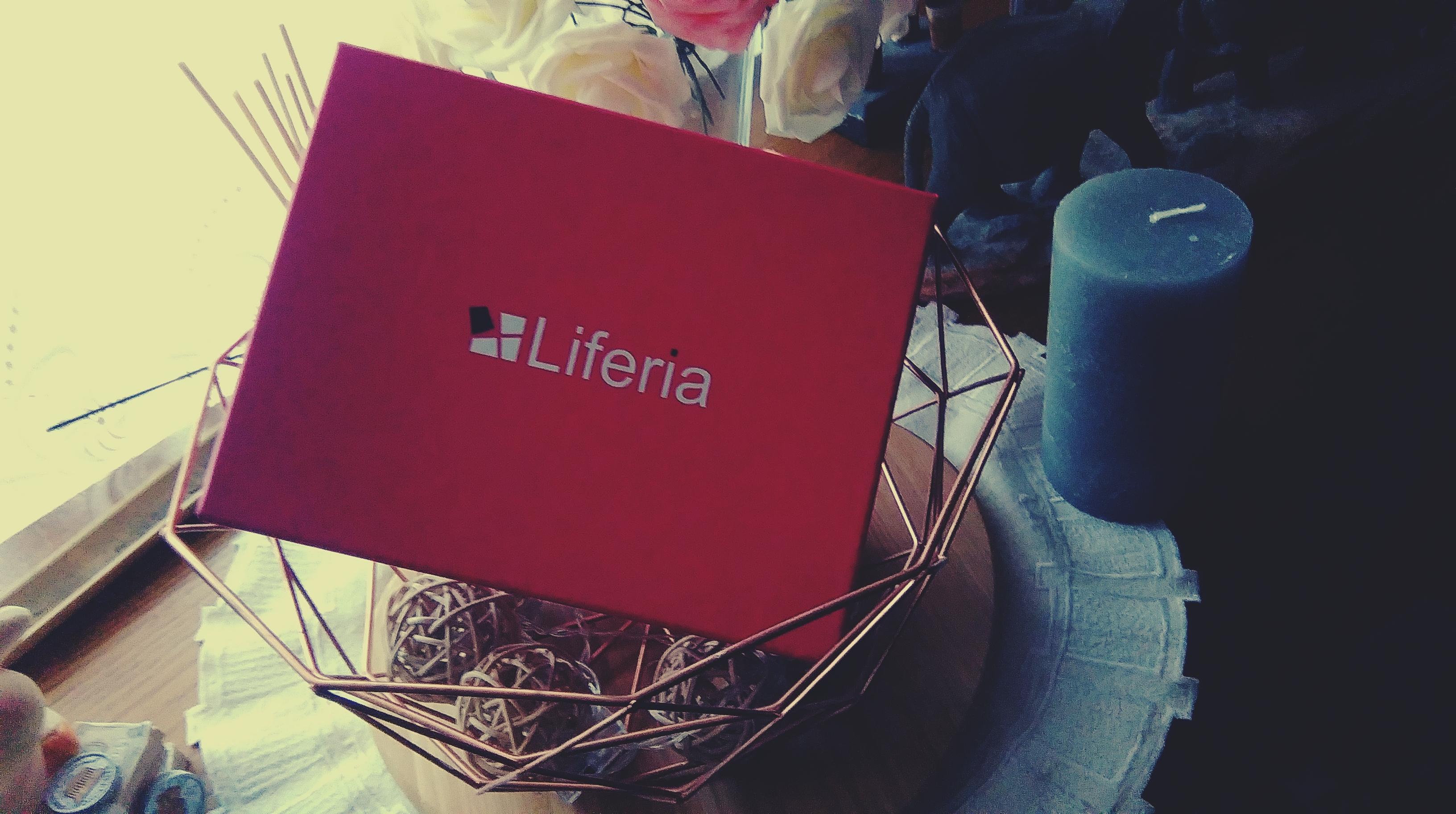 BeautyBlogAneta: Liferia Pierwsze Pudełeko-Październik