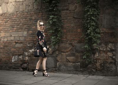 Czarna sukienka w hafty - HIT czy KIT ?