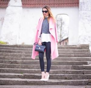 pudrowo - różowy płaszcz