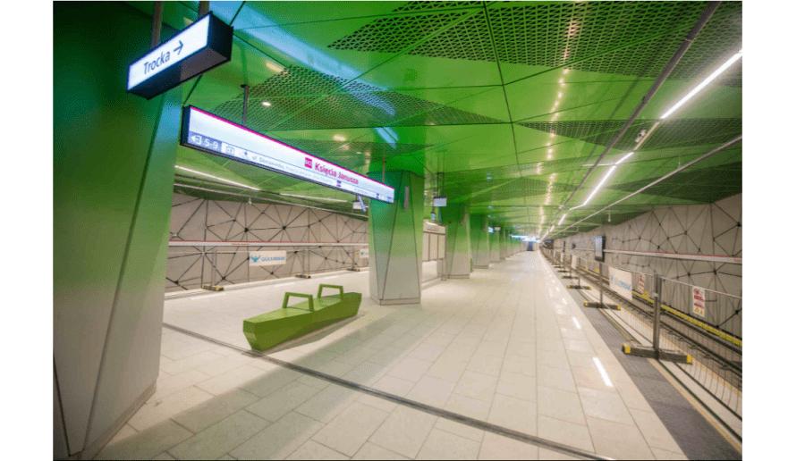 W Warszawie otwarto kolejne stacje drugiej linii metra