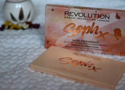 Anks_blog: MAKEUP REVOLUTION SOPH X