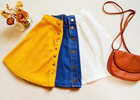 spódniczki z guzikami
