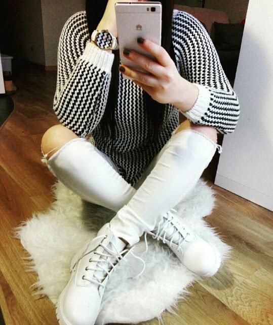 czarno biały sweterek w dwóch setach   rabat - 20% do wykorzystania w butiku  crystal-collection-butik.pl