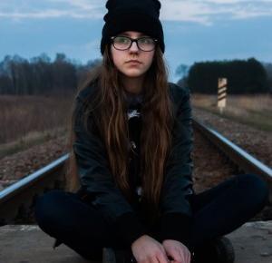 Molly Armstrong: To nie wiek decyduje o mądrości czy dojrzałości, ale doświadczenie.