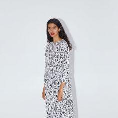 Ta sukienka z Zary to światowy bestseller. Teraz kupicie ją w nowej odsłonie kolorystycznej