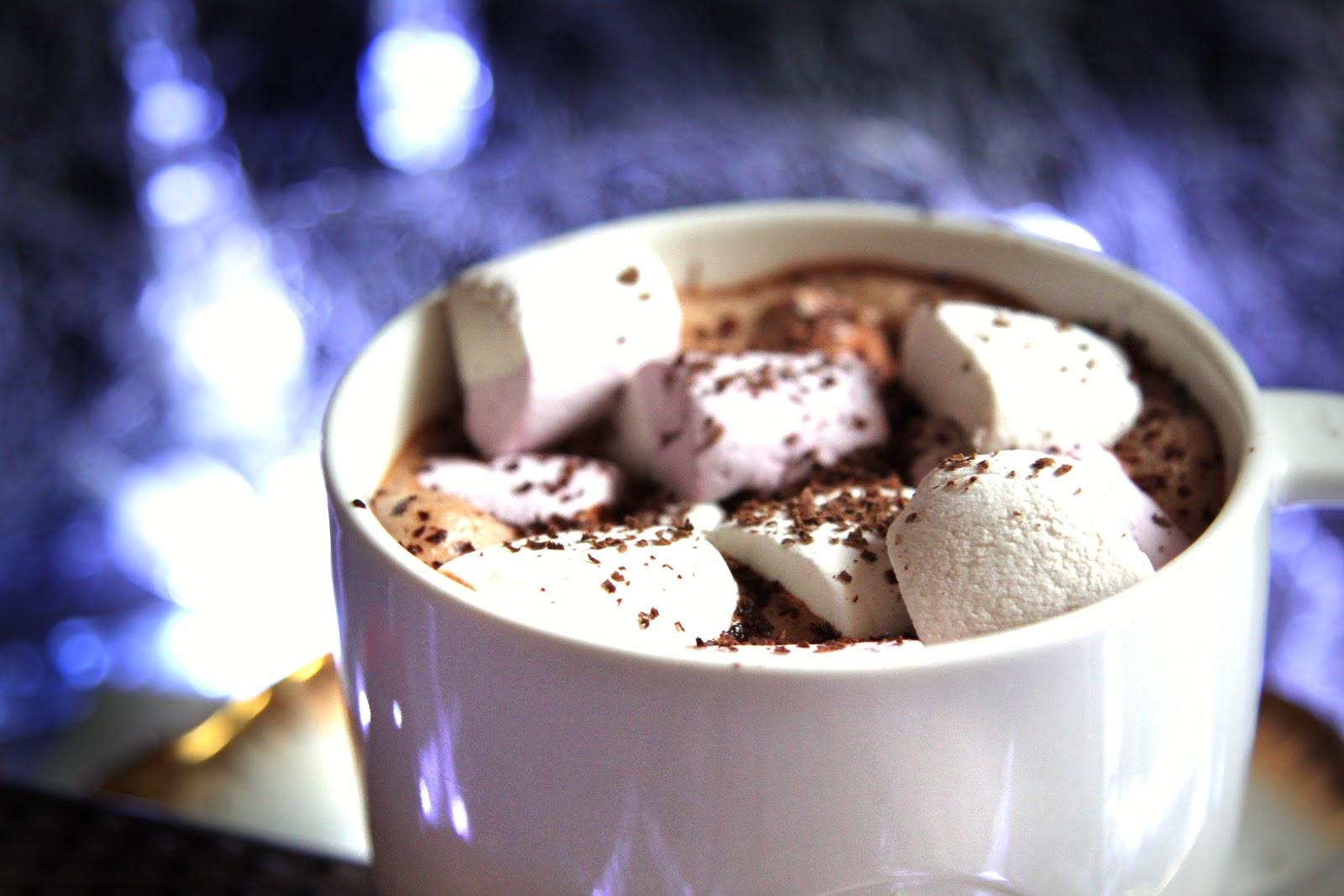 Joannna: Zimowy umilacz - gorąca czekolada
