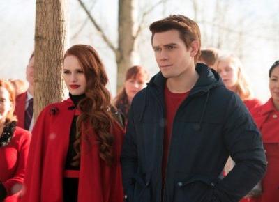 """Riverdale 3: bohaterowie wcielą się w swoich rodziców w odcinku """"The Midnight Club"""" [ZDJĘCIA] - Glamour.pl"""