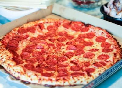 Pizza na śniadanie jest dużo zdrowsza niż płatki! Naukowcy potwierdzają - Glamour.pl