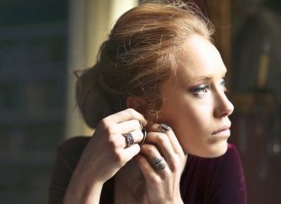 Delikatna biżuteria dla kobiet