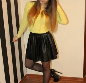 Asziaa: yellow sweater