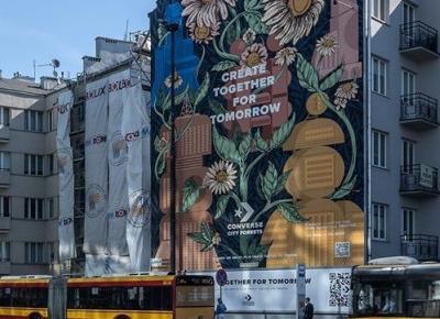 W Warszawie powstał mural oczyszczający powietrze. Działa niczym 3000 drzew