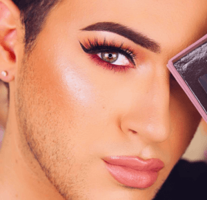 Ci vlogerzy robią lepiej makijaż niż niejedna kobieta!