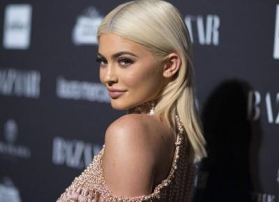 Kontrowersyjne nazwy nowych róży Kylie Jenner... Fani są oburzeni!