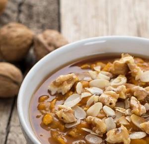 Dlaczego warto jeść śniadanie? Dyniowa owsianka (wegańska, bezglutenowa).