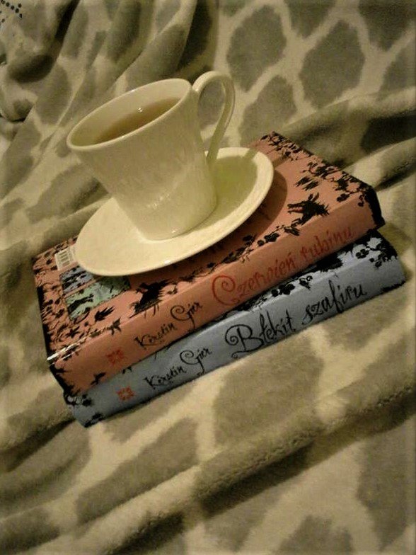 Aya & books