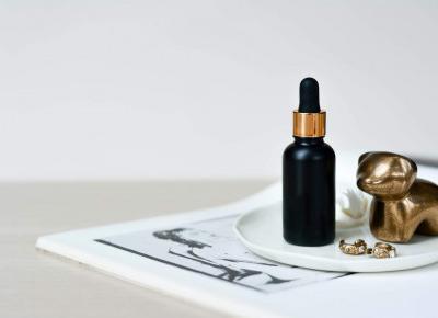 Składy kosmetyków pod lupą - jak czytać etykiety? dr n. chem. Alicja Śliwowska odpowiada  | Bassement
