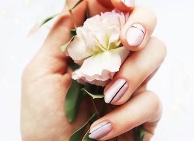 Minimalistyczne paznokcie | pudrowy róż z czarnym - BeautypediaPatt | blog urodowy