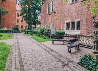 Nietypowe atrakcje Krakowa. Ukryte ogrody. – BeforeAnkaDies