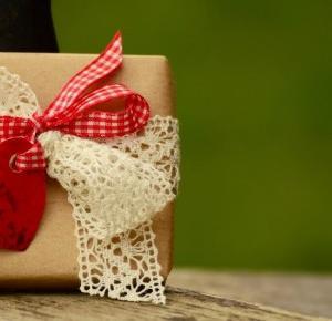 12 pomysłów na idealny prezent z okazji Dnia Matki | Bezosobowi.