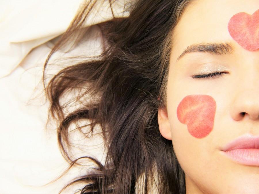 6 wskazówek by twoja twarz wyglądała lepiej z rana!