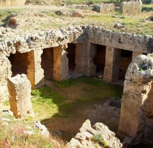 Cypr. Pafos i wejście do grobowców... królewskich. Cz. I - Ciekawy Świata
