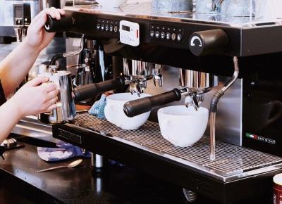 Jaki ekspres do kawy kupić? Najlepsze ekspresy do kawiarni - Czary-Marty