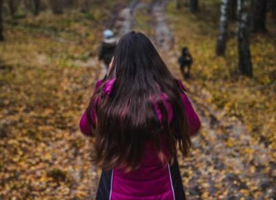 Zalety spacerowania, czyli dlaczego warto wyjść z domu ? - Czary-Marty