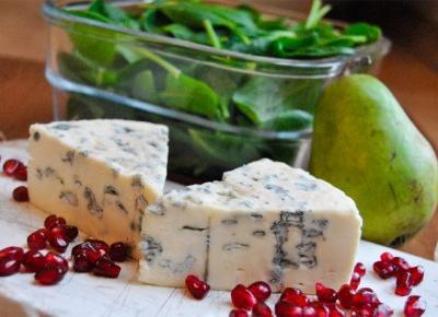 Fit sałatka z serem pleśniowym i granatem | czynnikipierwsze