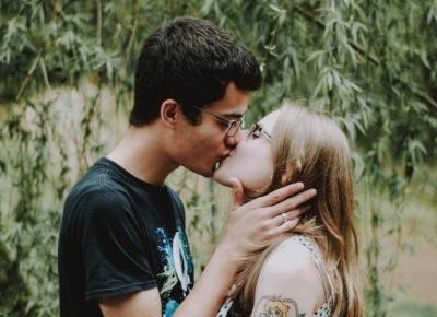 Rodzaje pocałunków i ich znaczenie.