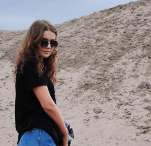 Dame Katrin: FOLLOWERS/MOM JEANS
