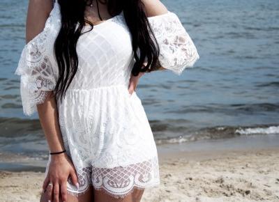 Biały koronkowy kombinezon | Plaża Sopot - Darjikas