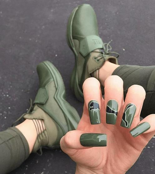 Paznokcie inspirowane wzorem i kolorem butów! Będziesz zaskoczony !